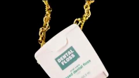 Rappelő fogorvossal kampányolnak