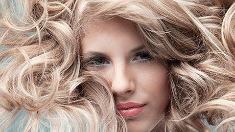 Fodrászat nyílt kizárólag göndör hajúaknak