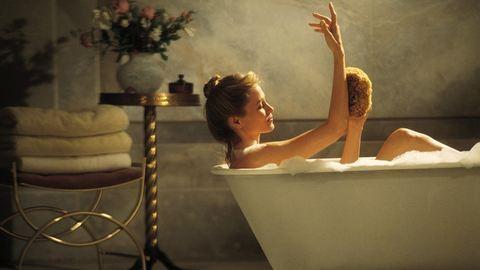 Így wellnesszelj otthon a fürdőkádban!