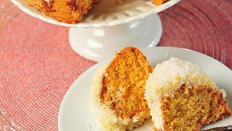 Nyáridéző süti: ananászos-kókuszos kuglóf