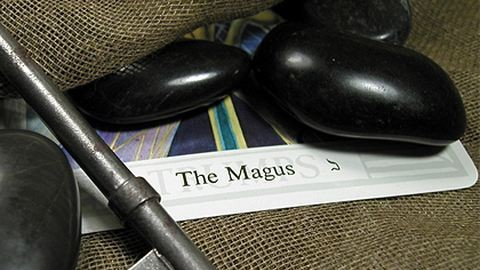A beavatás lapjai: Bemutatjuk a Mágust a Tarot-ból