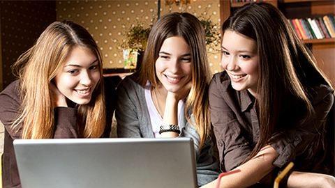 Szavazz az év női bloggerére!