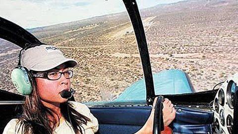 Karok nélkül szerezte meg a pilótaengedélyt