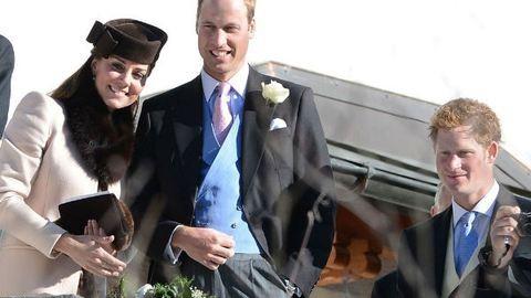 Harry herceg lasagnét süt Katalin hercegnének