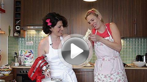 Kajári és Pácsonyi főz: így készül a házi vaníliafagyi