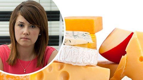 Retteg a sajtoktól a lány