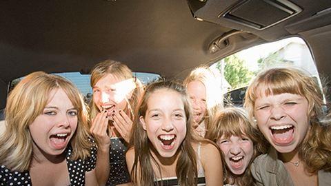 Úton a Balcsihoz – 10 nyári dal, amit hallgass meg a kocsiban