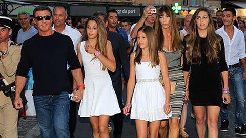 Csodaszép lányaival nyaralt Stallone – fotók