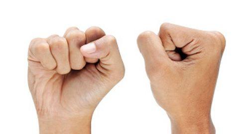 Tényleg káros az ujjropogtatás?
