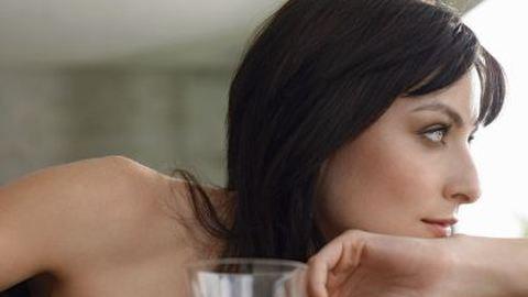 Ezért szoknak rá az iszogatásra a nők