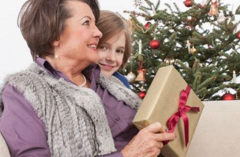 Karácsonyi könyvajánló – anyáknak és nagyiknak