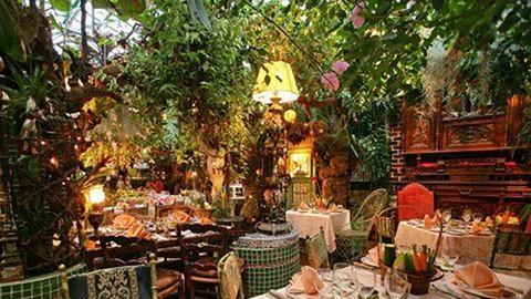 Ez a világ legvirágosabb étterme