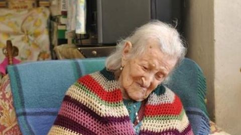 A nyers tojásra esküszik a 114 éves asszony