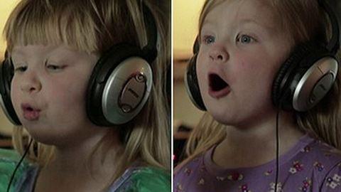 Imádnivaló videó: Disney-dalt énekelnek a 4 éves ikrek