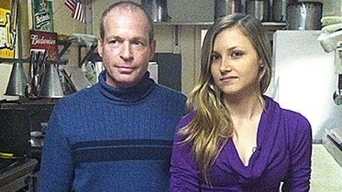 Eladja az éttermét, hogy megmentse egy alkalmazottja életét