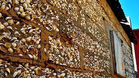 Bámulatos: kagylóhéjakból épült egy afrikai sziget