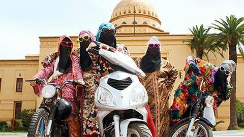 Marokkói motoros nők csadorban