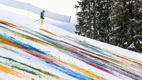 Befestett egy hegyoldalt a svájci művész
