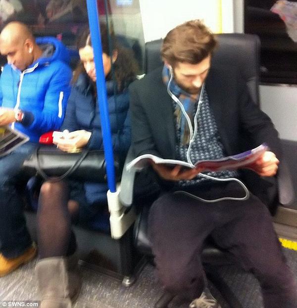 Íme a férfi, akinek mindig van ülőhelye a metrón