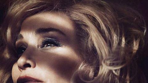 A 64 éves Jessica Lang lett a híres sminkmárka új reklámarca