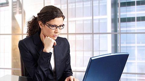 Több munkát várnak el a gyermektelen nőktől