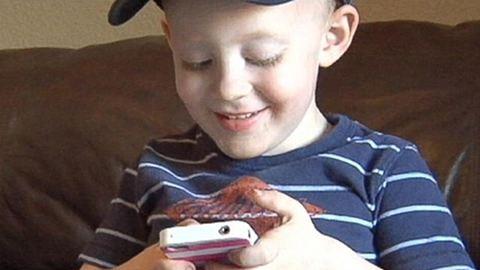 2 éves kisfiú mentette meg az anyukája életét