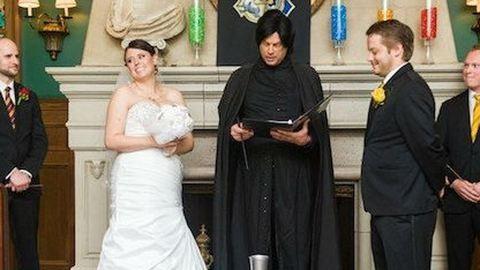 Harry Potter témájú esküvőt tartott a házaspár – látványos fotók