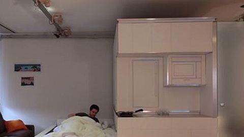 Három helyiség berendezését helyettesíti ez a bútordarab – videó