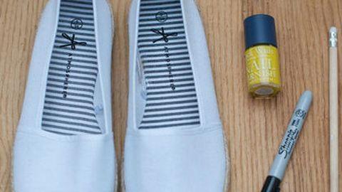 Csináld magad: vidám nyári tornacipő