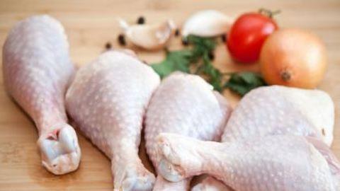 Ne mosd meg a nyers csirkét, ha nem akarsz beteg lenni!
