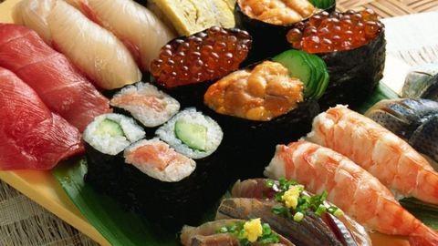 Mindenki nyugodjon meg, és nézegessen sushikölteményeket!