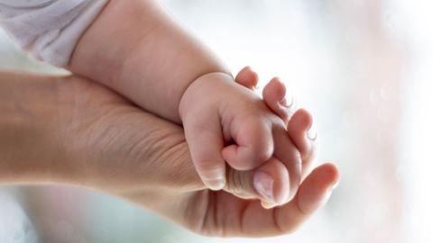 Kiverte a biztosítékot a szülési reklám – videó