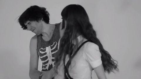 Meghökkentő videó: ilyen az első pofon egy idegennel