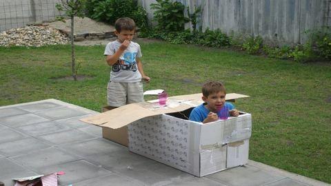 Nyári játék – különös szerkezetek kartonból