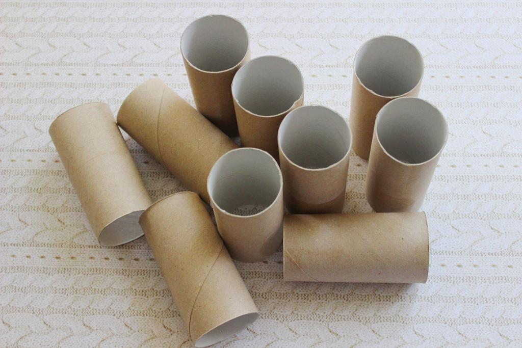 Macskák a malacok ellen: így készül a társasjáték papírgurigákból