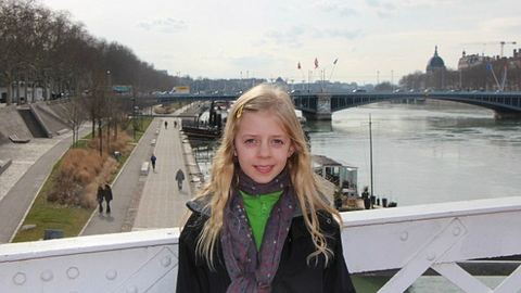 Egyedül utazza körbe Európát a 11 éves lány