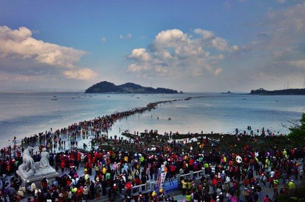 Mózes csodája - szétválik a tenger Dél-Koreába