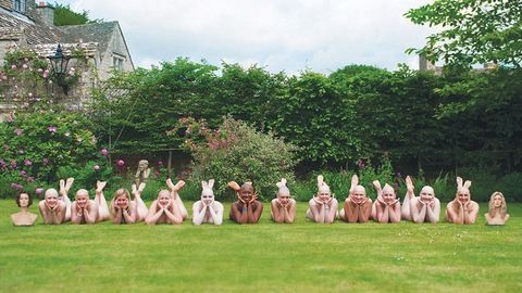 Kopasz nők készítettek meztelen naptárat