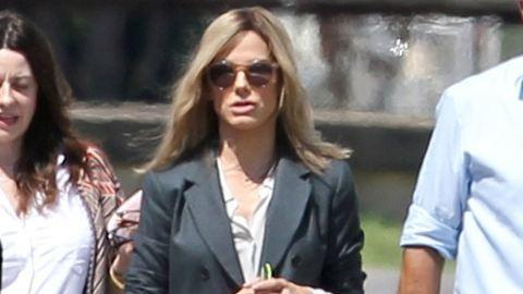 Szőkére váltott, de barnán dögösebb Sandra Bullock – galéria