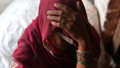 Havi egy pofon jár az asszonynak: a világ legabszurdabb szexista törvényei