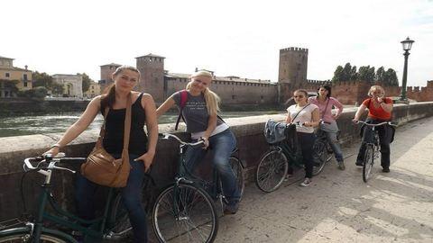 Így jutottam egy tévéstúdióból Rómeó és Júlia városába!