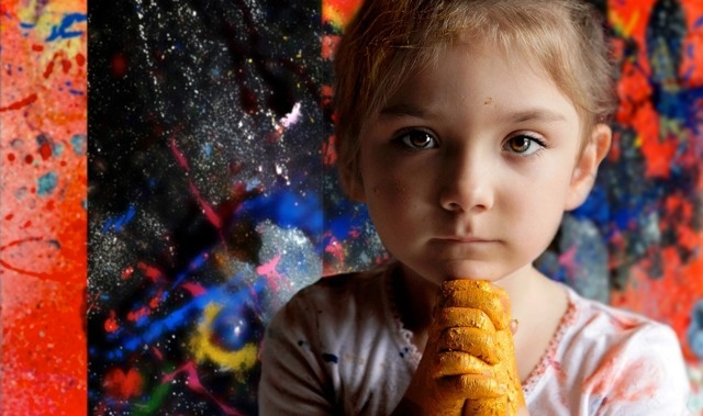 Lenyűgöző képeket fest egy hatéves kislány