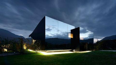 Ilyet még nem láttál: tükörház az Alpokban elképesztő kilátással