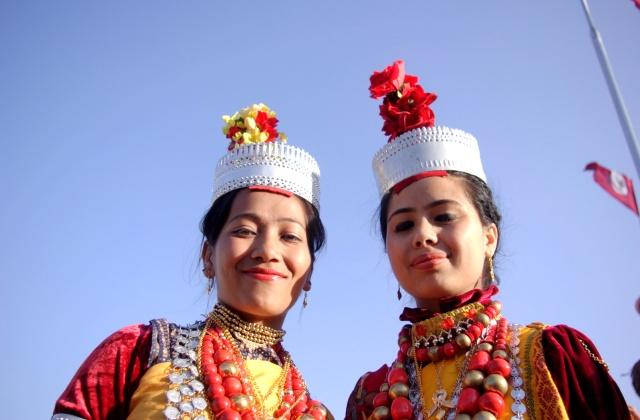 Boldog khászi fiatalasszonyok