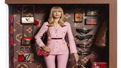 Életre kelt Barbie babák, dobozba zárva