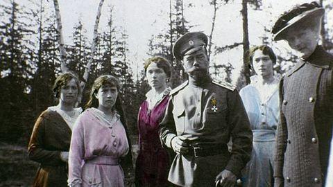 Ritka családi képek a Romanovok boldog végnapjairól
