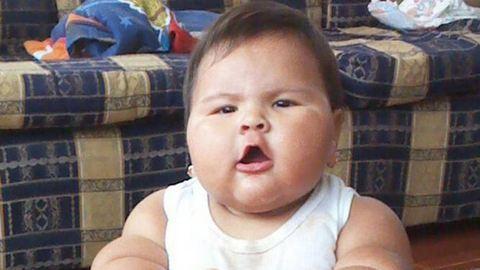 20 kilót nyom egy 10 hónapos kislány