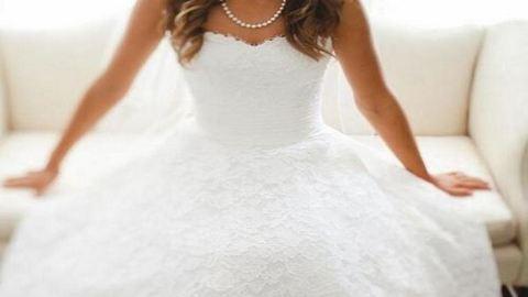 Csupa csipke menyasszonyi ruhák