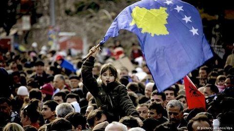 Koszovó hét éve: az eufóriától a kivándorlási hullámig