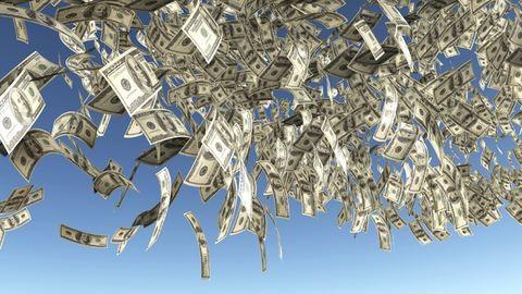 Pénzeső hullott Dubajban – videó